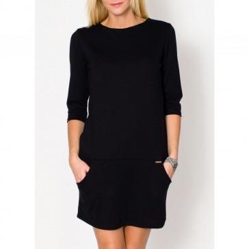 Šilta minimalistinio stiliaus suknelė